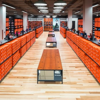 Mártir en casa Oriental  Nike Clearance Store - 41 Photos & 75 Reviews - Outlet Stores - 140 W High  St, Centralia, WA - Phone Number - Yelp
