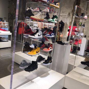 Street Jordan Store Loop Chicago
