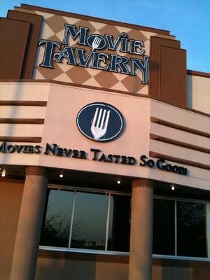 Movie Tavern Lexington Closed 11 Photos 42 Reviews Cinema 133 N Locust Hill Dr Lexington Ky United States Phone Number Yelp