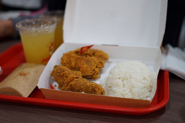 Jollibee Updated Covid 19 Hours Services 140 Photos 105