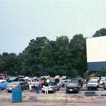 Starlight Drive In Theatre Flea Market Updated Covid 19 Hours Services 93 Photos 308 Reviews Drive In Theater 2000 Moreland Ave Se Atlanta Ga Phone Number Yelp