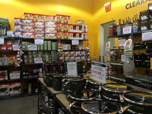 Calphalon Kitchen Outlet 4963 International Dr Orlando, FL ...