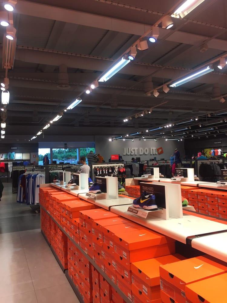 Cuaderno Huracán Corrección  Nike Factory Store - Shoe Stores - Polígon Can Massaguer Nord, s/n, La Roca  del Vallès, Barcelona, Spain - Phone Number - Yelp
