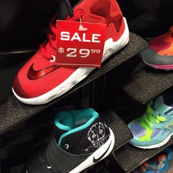 Shoe Stores in Daly City - Yelp 3b4551bc3