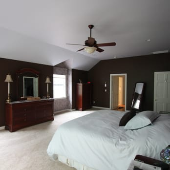 Master bedroom suite, elevated ceiling height, bump-out ...