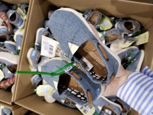 toms shoes warehouse
