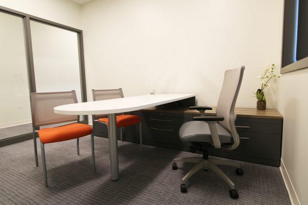 Rieke Office Interiors Solicita Un