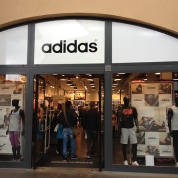 Adidas Outlet - Sport & Freizeit - Via del Borgo, Rodengo ...