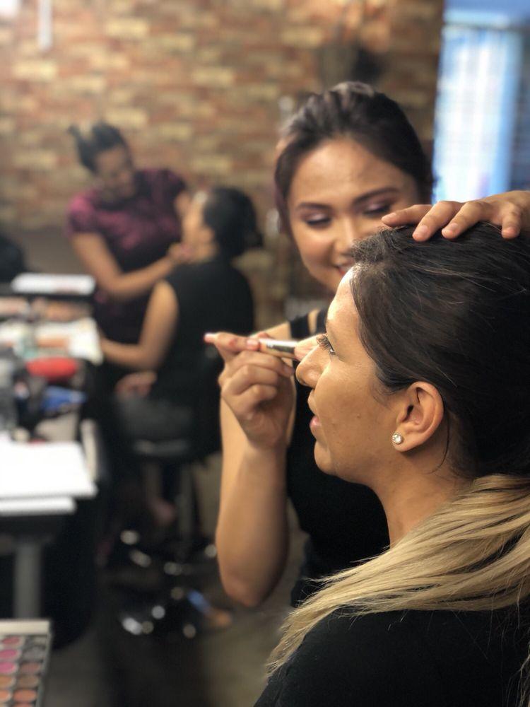 Hollywood Makeup School 194 Photos