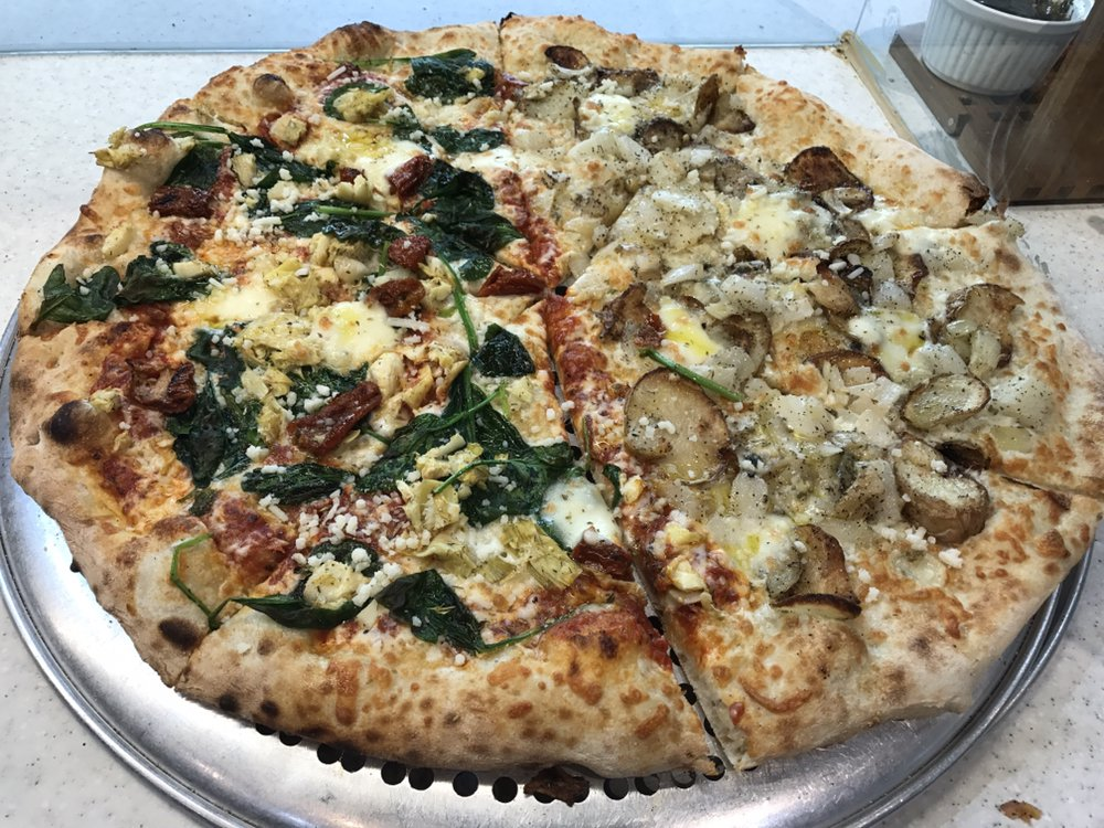 Pizza Garden Takeout Delivery 27 Photos 13 Reviews Pizza 108 2653 Trethewey Street Abbotsford Bc Restaurant Reviews Phone Number Yelp