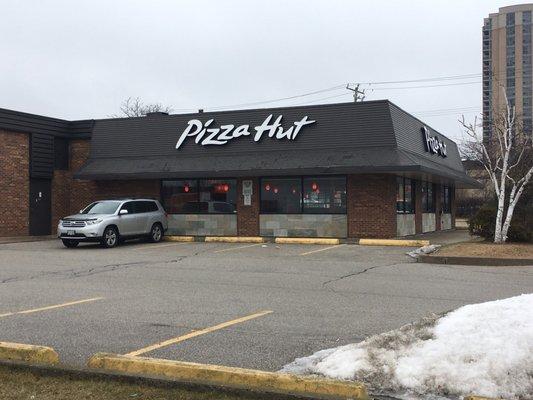 Pizza Hut 20 Photos 20 Reviews Pizza 592 Ellesmere