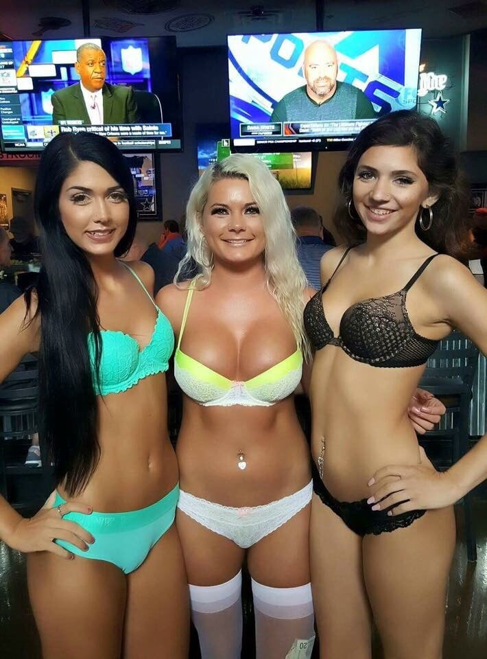 Tight ends sports bar and grill