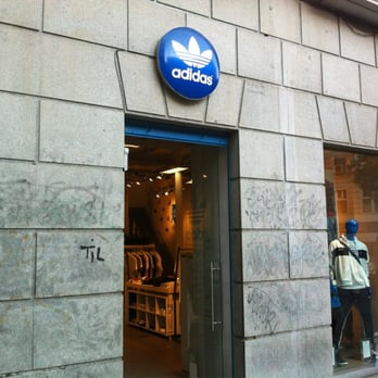 Proceso traje Otoño  Adidas Original Store - Accessories - Calle Fuencarral, 46, Chueca, Madrid,  Spain - Phone Number - Yelp