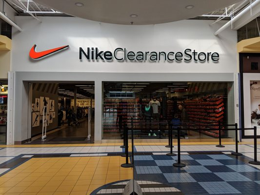 Oceanía Tranvía sin cable  Nike Clearance Store - Temp. CLOSED - 16 Photos - Shoe Stores - 1250 South  Service Road, Lakeview, Mississauga, ON - Phone Number - Yelp