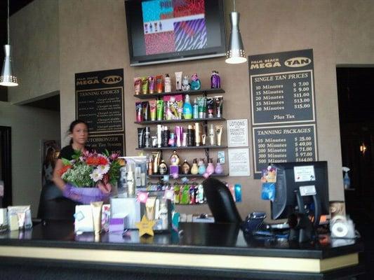 Palm Beach Tan Prices >> Palm Beach Mega Tan Tanning 770 Gardiners Road Kingston