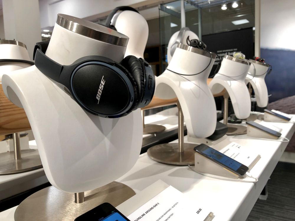 bose store 31 reviews electronics 1018 bellevue sq bellevue wa phone number yelp yelp