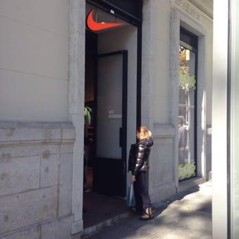 oleada motor Terraplén  Nike - Sports Wear - Calle de Serrano, 19, Salamanca, Madrid ...