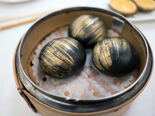 Photo of 富聲魚翅海鮮酒家 - Hong Kong, HK, HK. Gold Lava Buns - must order