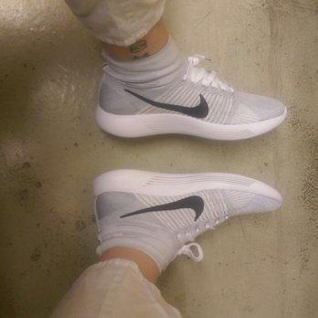 Factory Vorburg An Store der 1 Nike Sportbekleidung ZOTPXiuk