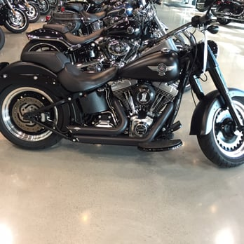 Boston Harley Davidson >> Boston Harley Davidson Store Front Yelp
