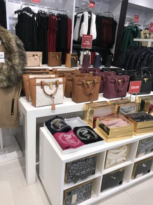 michael kors outlet hours