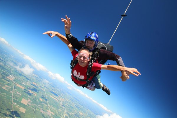 Skydiving Mens Funny Free Fall T-Shirt Skydive Skydiver I Haven/'t Seen Him