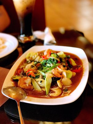 Mae Ploy Thai Cuisine Closed 136 Photos 131 Reviews Thai 2600 Churn Creek Rd Redding Ca Restaurant Reviews Phone Number Yelp