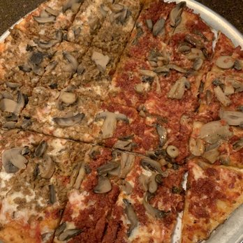 Cagneys Pizza King 29 Photos 40 Reviews Pizza 33 E
