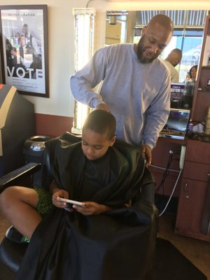 Hollywood Barber Shop 2400 E Colfax Ave Denver Co Barbers Mapquest