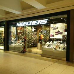 Skechers Outlet Toronto, ON - Last