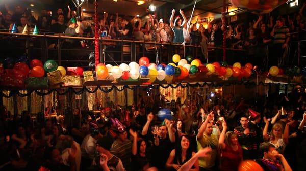 2 PIERROTS - 10 photos & 20 avis - Bars - 104 Rue Saint-Paul E, Montréal,  QC - Numéro de téléphone