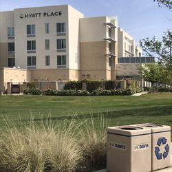 Hotels In Davis
