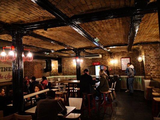 KFC - 34 Photos - Fast Food - 1 Tower Hill, Aldgate, London, United Kingdom  - Restaurant Reviews - Phone Number - Yelp