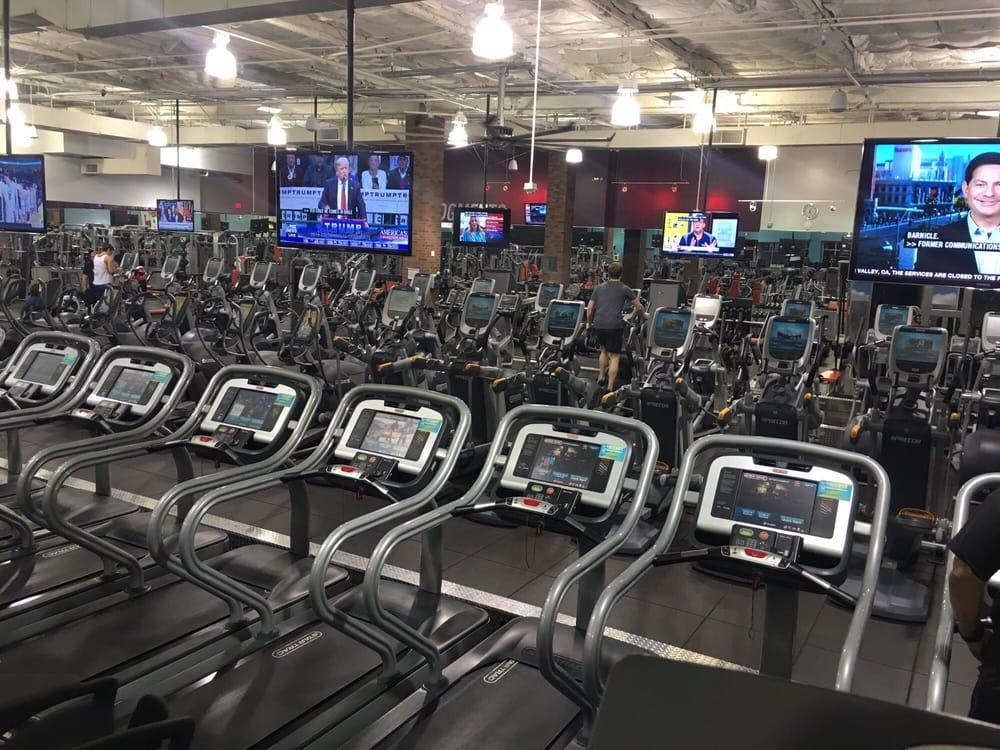 crunch fitness 132 photos 397 reviews gyms 761 n san fernando blvd burbank ca phone number yelp crunch fitness 132 photos 397