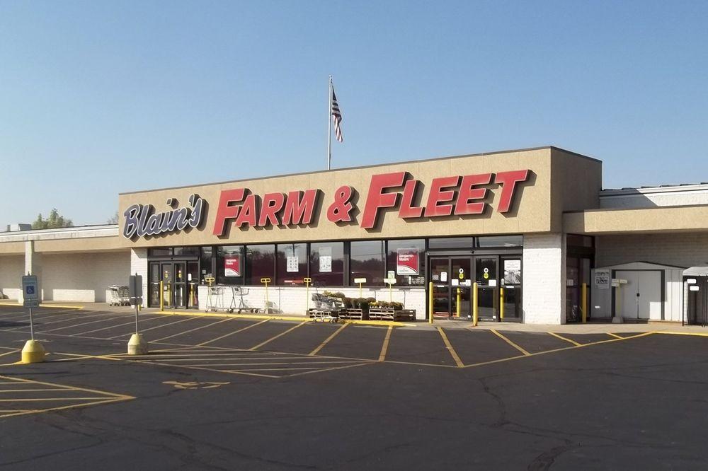 Blain S Farm Fleet Belvidere Illinois Sporting Goods 6674 Logan Ave Belvidere Il Phone Number Yelp