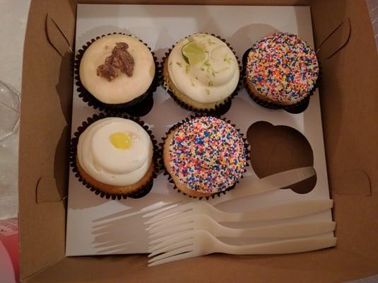 Superb Smallcakes See 83 Photos 97 Reviews Bakeries 4711 Hope Funny Birthday Cards Online Elaedamsfinfo