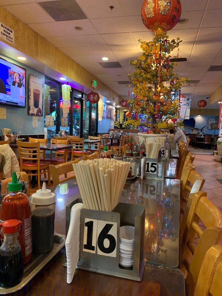 Pho Lucky Noodle House 467 Photos 397 Reviews Vietnamese 8032 N El Dorado St Stockton Ca United States Restaurant Reviews Phone Number Yelp