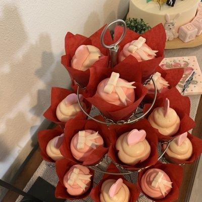 Miraculous 21 Cakes 87 Photos 151 Reviews Desserts 7001 N Scottsdale Funny Birthday Cards Online Benoljebrpdamsfinfo