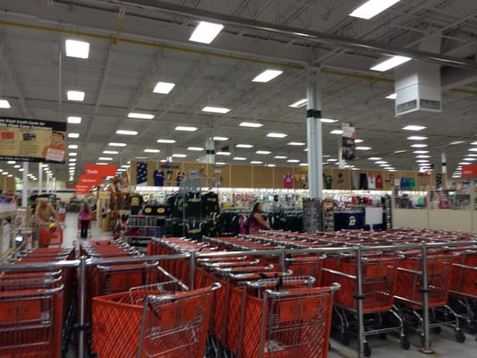 Mills Fleet Farm 16 Reviews Pet Stores 3035 W Wisconsin Ave Appleton Wi Phone Number Yelp
