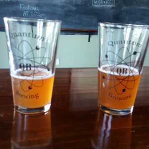 QUANTUM BREWING Pint Beer Glass San Diego California Micro Brewery Craft Beer