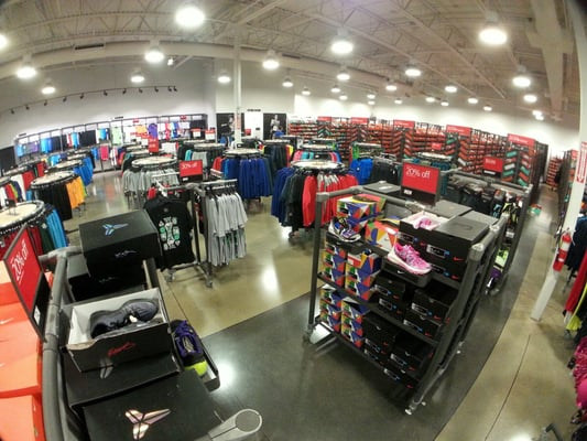 nike store johnson creek outlet mall