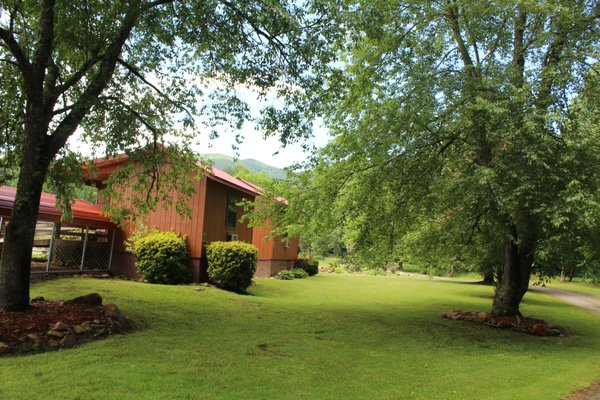 Dragon S Rest Cabins 157 Tallulah Cartway Robbinsville Nc Hotels Motels Mapquest