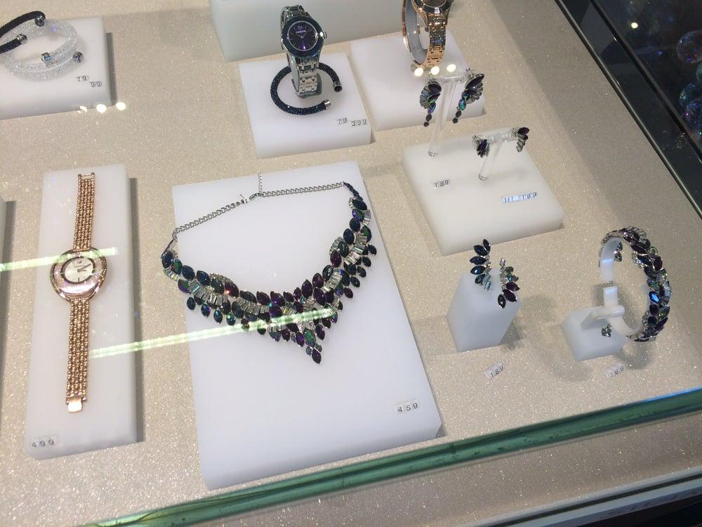 SWAROVSKI - Jewelry - 3035 Boulevard le Carrefour, Laval, QC ...