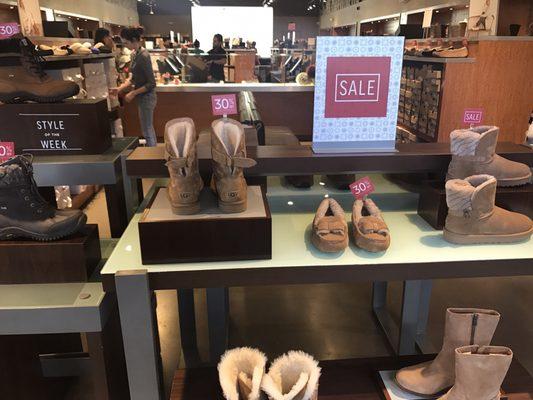 Orlando, FL Shoe Stores