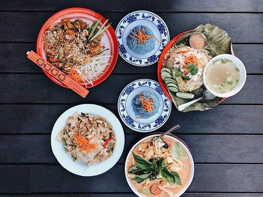 Farmhouse Kitchen Thai Cuisine Updated Covid 19 Hours Services 1259 Photos 509 Reviews Thai 3354 Se Hawthorne Blvd Hawthorne Portland Or Restaurant Reviews Phone Number Menu Yelp