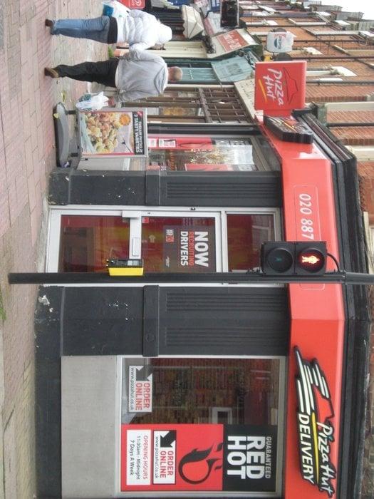 Pizza Hut Uk Pizza 174 Garratt Lane Southfields London