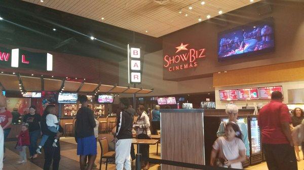 showbiz cinema baytown tx