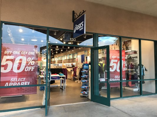 asics outlet locations