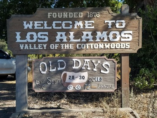 Photo of Old Days - Los Alamos, CA, US. The welcome sign