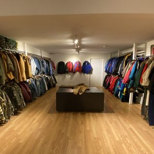Fashionably Yours Designer Consignment 32 Reviews Used Vintage Consignment 709 Queen Street W Niagara Toronto On Phone Number Yelp